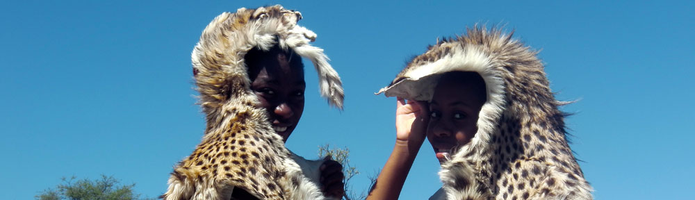FilmSpots - Petelina and Undji in their cheetah outfit